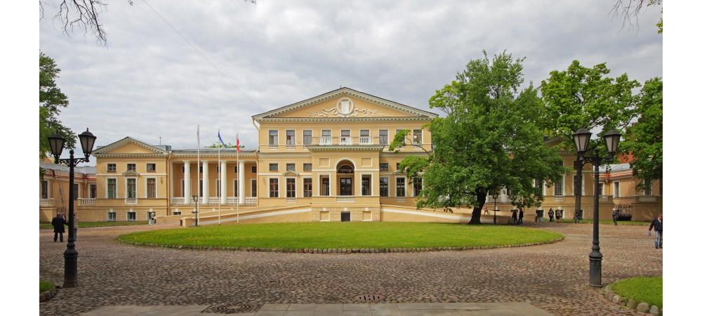 Дворцы и их владельцы